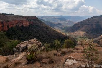 Blick auf den Baboon Buttress und die God No Wall, Watervall boven