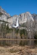 Yosemite falls mit Meadow = See nach der Flut