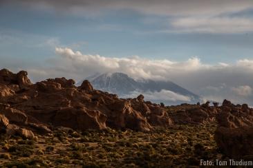 Valle de las roccas mit Vulkan